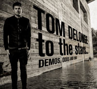 Esattamente 4 anni fa usciva To The Stars... Demos, Odds And Ends di Tom DeLonge!
